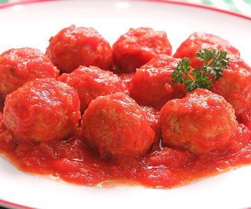Albóndigas en Salsa de Tomate | Muy Fáciles y Jugosas