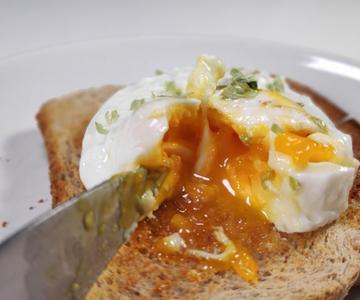 Como hacer huevos escalfados en microondas.