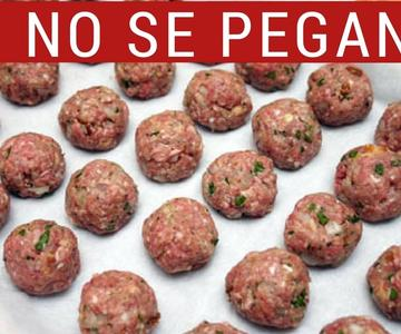 Frozen meatballs: My mother's secret to freeze them without sticking.