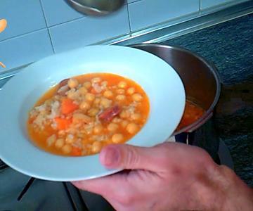 Garbanzos con arroz, la receta de mi abuela paso a paso y muy fácil
