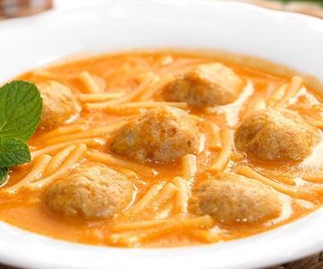 Sopa de Fideos y Albóndigas fácil de hacer y deliciosa